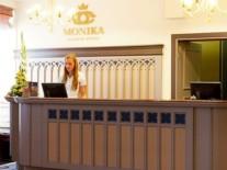 latvia-riga-hotel-monika-room-junior-resepshen