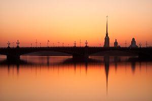 Дворцы и крепости Петербурга