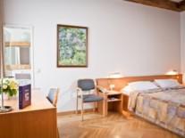 standard-double-room-konventa-seta-riga-latvia-foto-dvor