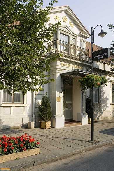 СПА отель « Гранд Роуз СПА» (Spa hotel «Grand Rose SPA»)